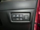 ボタン一つでリアゲートの開閉できるパワーリフト。