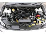 水平対向2.0L搭載の低重心コンパクト設計でバランスのとれた走りを体感してください。
