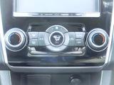 体調や乗る人それぞれに合わせて運転席側と助手席側で温度設定が変えられます☆