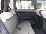 後席頭上クリアランスも大きく後席も快適です。