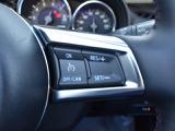高速道路走行中のドライバーの疲労を軽減させるクルーズコントロール。使用時には燃費もあがって嬉しい装備です。