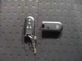 キーフリーシステム。キーを持っているだけでドアのロック・アンロックが出来ます。