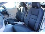フロントシートは、柔らかさとサポート性を両立させ、ズレに配慮したつくりになっています