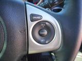 ハンドルにはオーディオコントロールとクルーズコントロールスイッチがついているのでハンドルを握ったまま操作ができますので大変使い勝手がいいですよ。