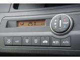 設定した温度で一年中快適空調できるオートエアコン標準装備です。
