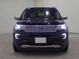フォード エクスプローラー タイタニアム 4WD