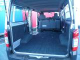 シートを畳むことで広々した空間ができます!