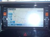 メモリーナビ・フルセグTV(MC314D-W)が付いてます。お出掛けの際知らない道でも安心です。