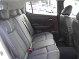 厚みタップリのシート。乗り心地がよいです。