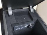 センターコンソール内に USBポートを2個配置されておりメディアプレイヤーとの接続が可能です。