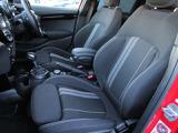 ・ホールド性の高いフロントシートは長距離ドライブでも疲れを感じさせません