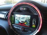・駐車時の必需品ともいえるセンサーとオプションのバックカメラ搭載