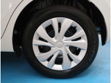 【175/65R15】タイヤの残り溝もしっかり残っております。ご納車前に点検・空気圧調整もさせて頂きますので、ご安心下さい。