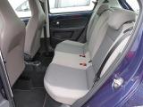コンパクトカーとは思えないくらいニーススペースも充分にとられているため、ストレスなく座れます。
