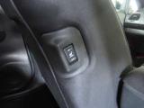 リヤシートのシートヒータースイッチ