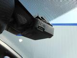 ドライブレコーダーは、フルハイビジョン録画対応により、高精細な映像を記録できます。