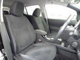ゆったりとして機能的な装備が充実した運転席は走る喜びを感じられる快適空間です☆