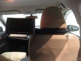 後席モニターが付いているので、ロングドライブでも退屈せず楽しくお過ごしいただけます!