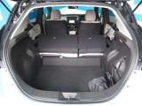 リヤシートを畳めば、大容量の広々荷室に大変身!!