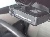 今や必須アイテムの、ドライブレコーダー装着車です!
