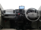 日産 NV100クリッパー DX 5AGS車