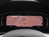 デジタルメータークラスターActive Info Display 高解像度ディスプレイはグラフィック性能が向上。中高に大きくDiscover Proと連動したマップを大きくワイドに表示でき、ドライビン