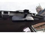 アイサイトはステレオカメラで前方をとらえ、衝突回避ブレーキ、車線逸脱警報などドライバーをサポートする先進運転支援システムです。