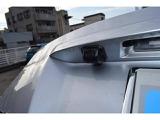 後方視界を確保するリヤビューカメラ。車庫入れ時などにとても便利です。