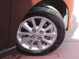 夏タイヤサイズは155/65R14+純正アルミホイールつき。