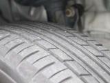 タイヤ溝はご覧の通りです。現車でも確認ください。