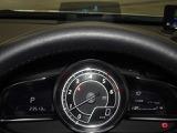 走行中視線を落とさずに速度の4確認ができるアクティブドライビングディスプレイ