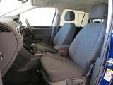 ゆったりと座れる固めのシートは長時間の移動も疲れにくく、快適なドライブが楽しめます♪