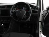 車内はシンプルなデザインとなっています。