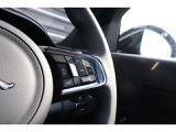 ドライブプロパック」(¥85,000)は、アダプティブクルーズコントロール、ブラインドスポットアシスト、高速緊急ブレーキの全て揃ったお得なパックです!
