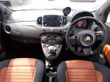イタリア車ならではの美しさや走りへのこだわりを感じる内装デザイン