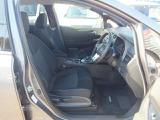 幅広いドライビングポジションのフロントシート。「前席クイックコンフォートシートヒーター付シート」