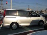 トヨタ ノア 2.0 X Vパッケージ