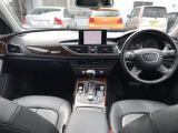 細部にいたるまできっちりと作り込まれたインテリアの意匠はA6アバントと共通です たっぷりしたサイズのシートの掛け心地は良好で次回の車を探す時もこのシートがもったいなく感じます