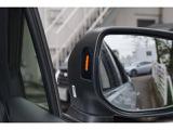 スバルリヤビークルディテクション装備。左右後方の死角に存在している車両を検知して、ドアミラーを光らせてドライバーに知らせる機能です。車線変更する時にチカチカしていましたら要確認です。