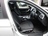 専用のクロスシート&両席電動スライドシートを装備☆お問合せ(無料ダイヤル)0066-9711-613077迄お待ちしております。