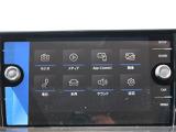 純正インフォテイメントシステム「Composition Phone」は、ラジオ、AUX、SDカード、USB、Bluetoothに対応。お手持ちのスマートフォンでハンズフリー通話もできます。
