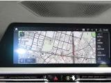 【I-Driveナビゲーション】大型モニターに映し出される地図は見やすく操作方法も簡単です。ナビゲーションの他にはラジオ、ブルートゥース対応型のミュージックプレイヤー、携帯電話のハンズフリー機能。