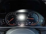 視認性に優れたスピードメーター。飽きのこないデザインが多くのユーザー様にご好評をいただいております。