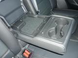 後席にもシートヒーターとUSBが標準装備で家族みんなが快適なドライブを楽しめます。