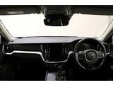ボルボ車専用『プレミアム・ルーム・コーティング』レザーシートの耐水・耐摺り・防汚性を高め、耐久性がアップします。当然汚れを落としてからの施工ですので、中古車にもお勧めです。別途承っております。