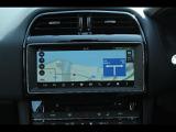 全周囲カメラとセンサーは狭い場所でも安心して駐車出来るようにサポート。