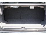 分割可倒式リヤシートですので長さのある荷物も安心して積み込むことがが出来ます。