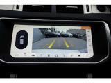 バックカメラは鮮明で全方位見たい箇所を選択できるのでドライバーの駐車のみならず発進の際も助けてくれます。
