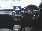 メルセデス・ベンツ CLA220 4マチック 4WD