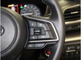 《マルチインフォメーションスイッチ》マルチインフォメーションディスプレイの操作スイッチです。メーター内に搭載しており、速度や外気温、航続可能距離、燃料の残量など、多彩な情報が表示されます。